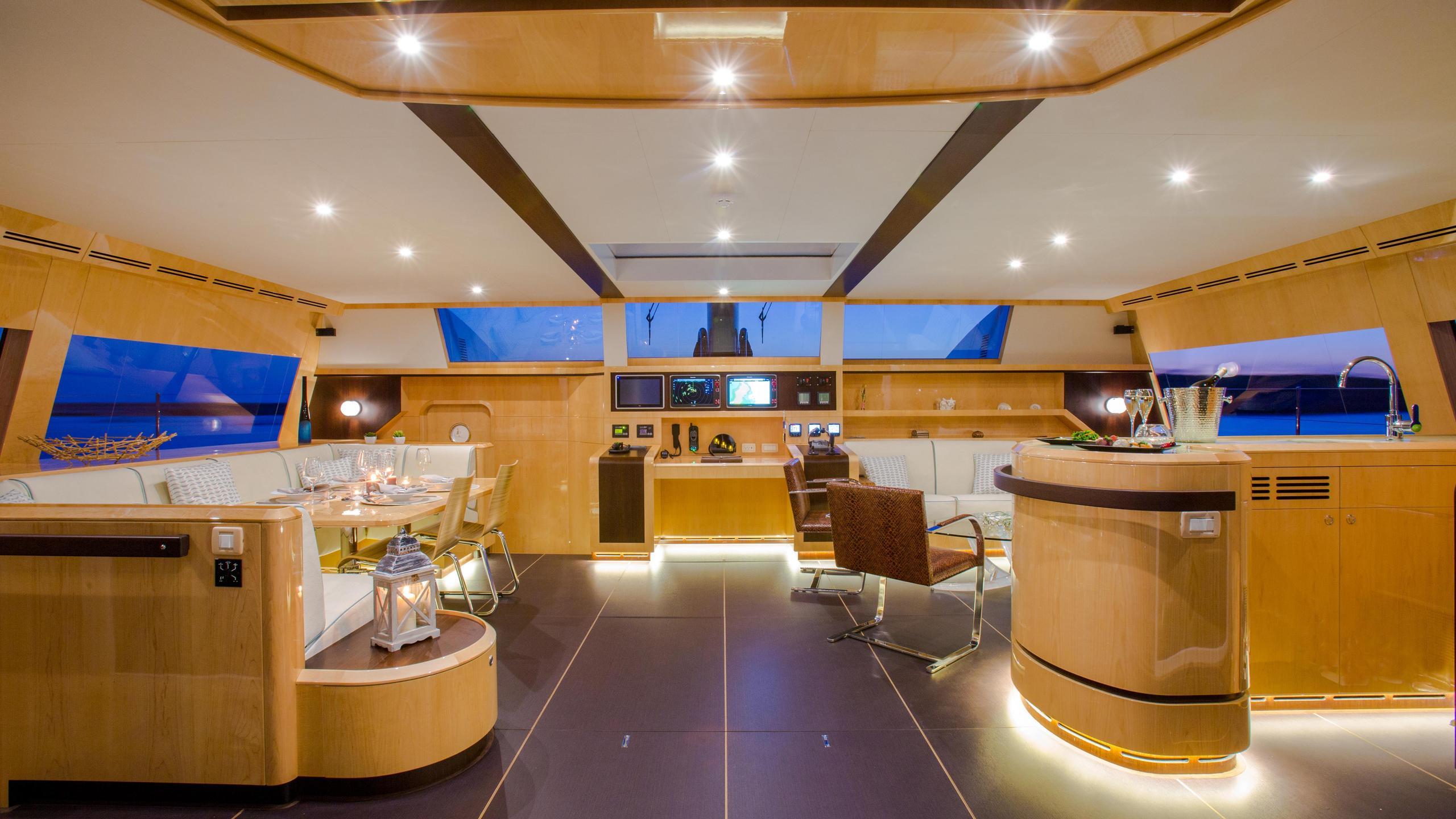 Windquest-catamaran-yacht-jfa-2014-26m-dining-room