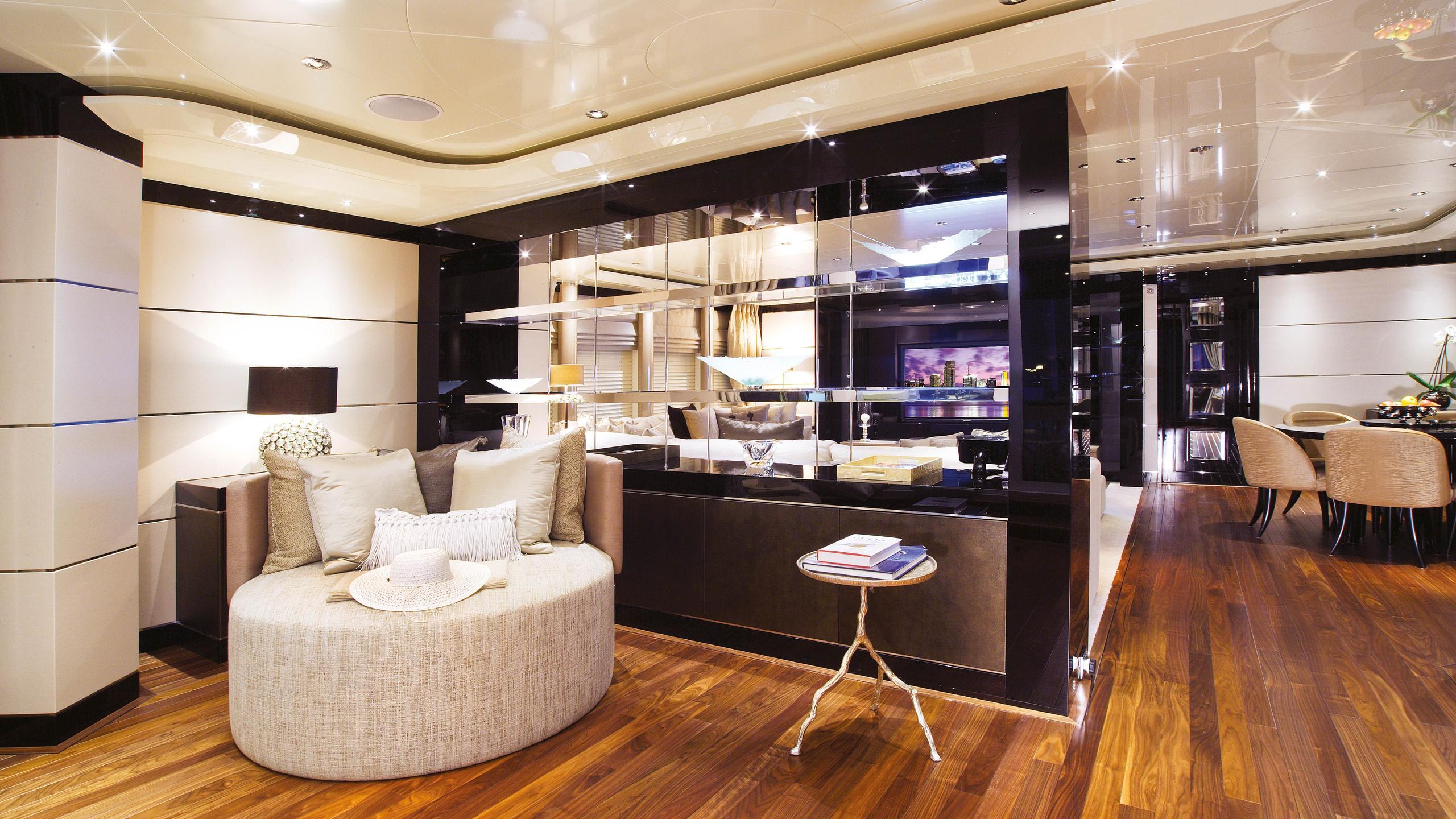 talisman-c-motor-yacht-Turquoise-2011-71m-sky-lounge