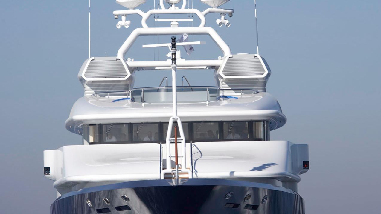 triple-seven-motor-yacht-nobiskrug-2006-68m-cruising-bow