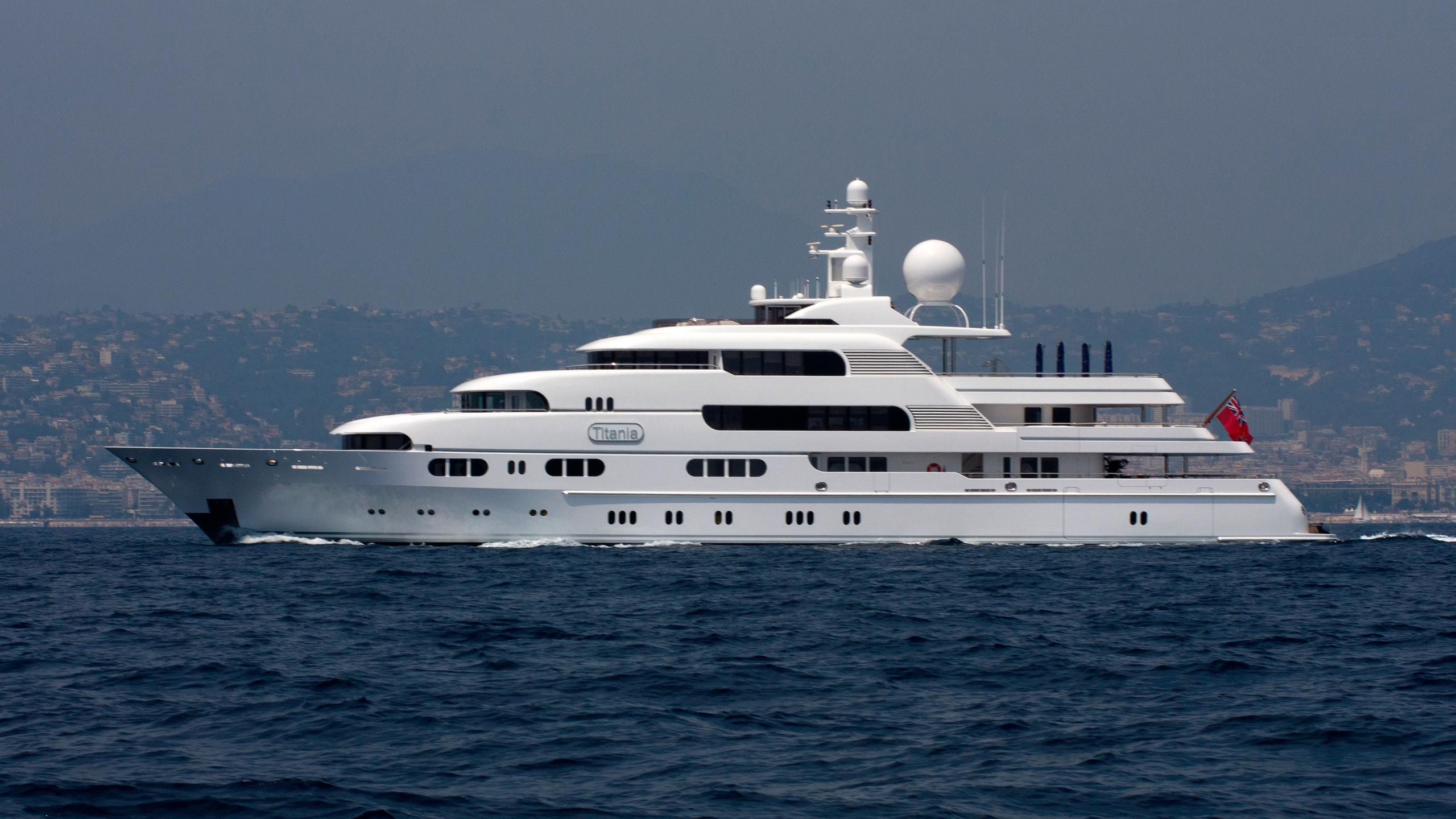 titania-motor-yacht-lurssen-2006-72m-profile