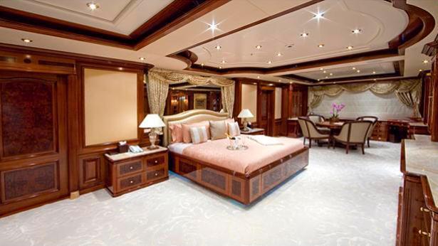 titania-motor-yacht-lurssen-2006-72m-stateroom