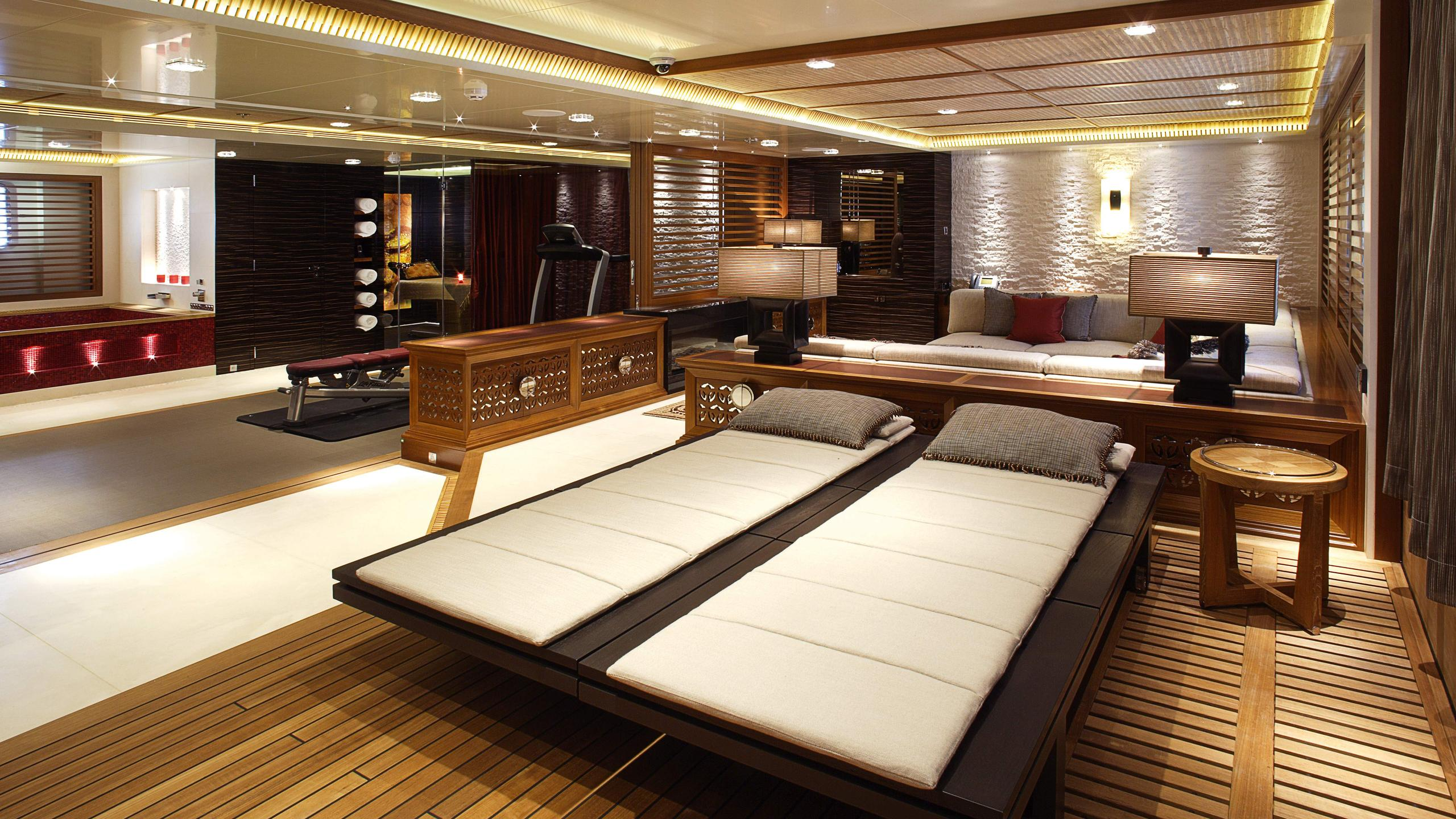 Vicky-motor-yacht-turquoise-2012-73m-lounge-gym