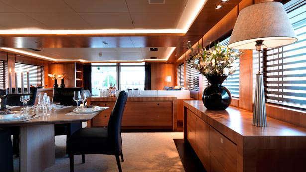 arete-motoryacht-bloemsma-van-breemen-2014-44m-dining-room