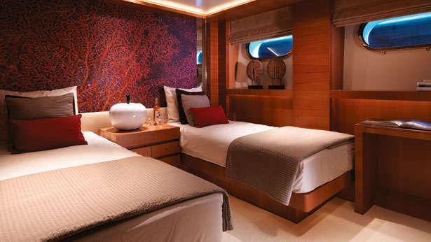 arete-motoryacht-bloemsma-van-breemen-2014-44m-twin-cabin