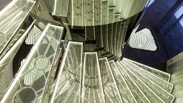 quite-essential-motor-yacht-heesen-2011-55m-staircase