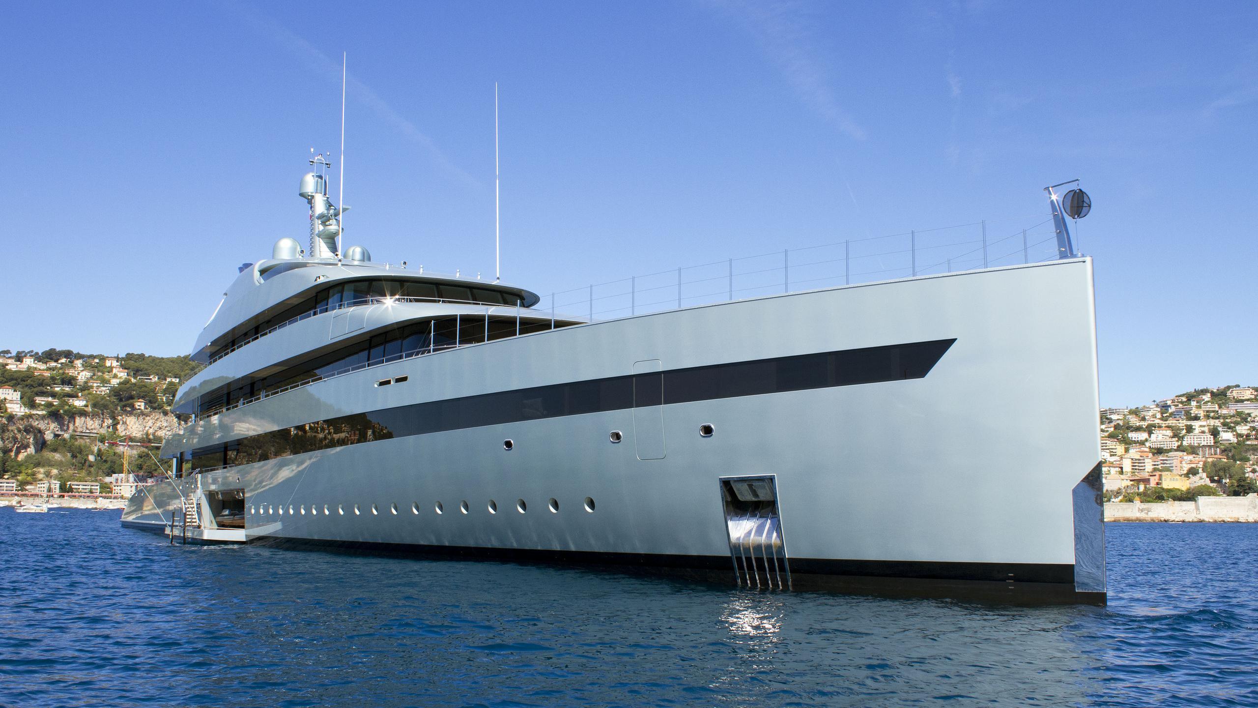 Savannah-motor-yacht-feadship-2015-83m-half-profile