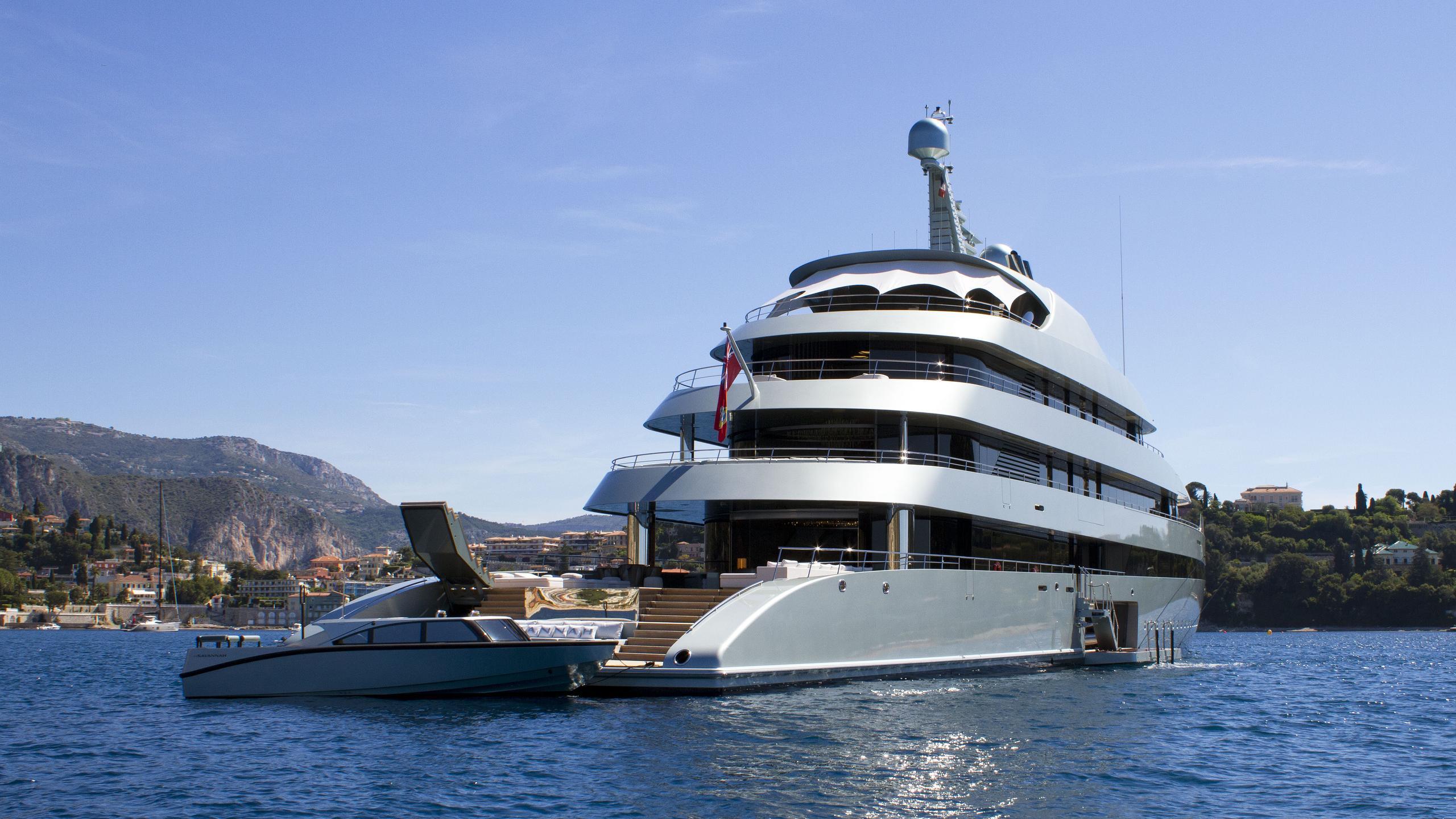 Savannah-motor-yacht-feadship-2015-83m-stern