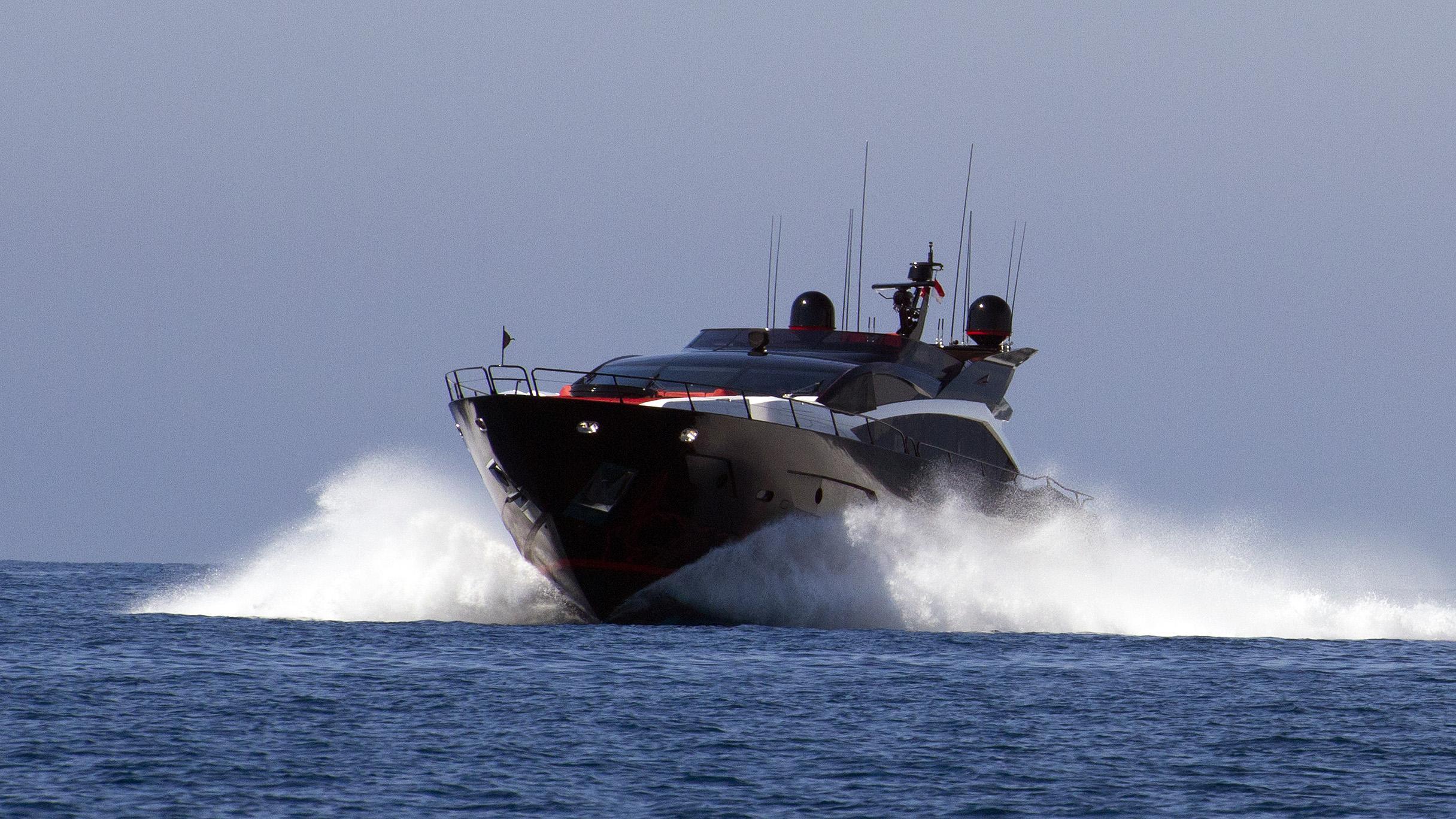 black-legend-motor-yacht-sunseeker-101-sy-2013-30m-running-bow