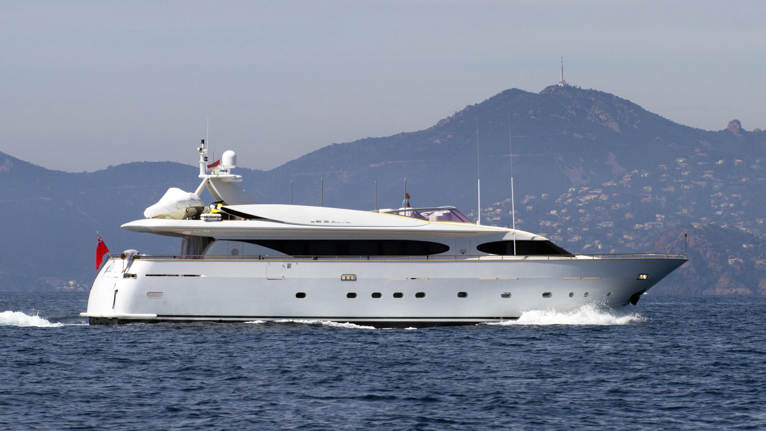 talila-motor-yacht-mondomarine-mondo-29m-2000-28m-running-profile