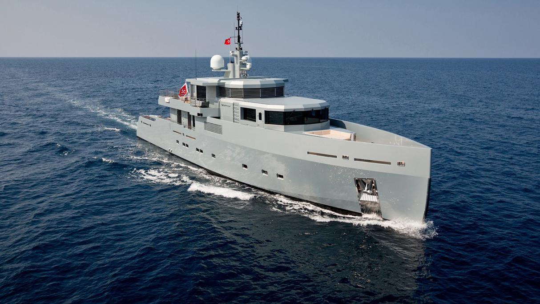 so-mar-motor-yacht-tansu-2014-38m-bow