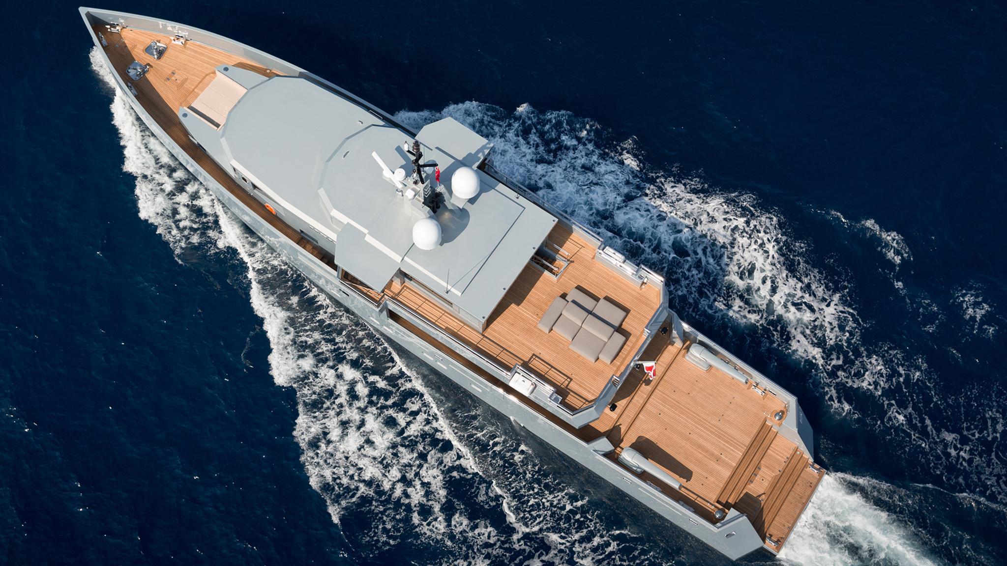 so-mar-motor-yacht-tansu-2014-38m-aerial-cruising