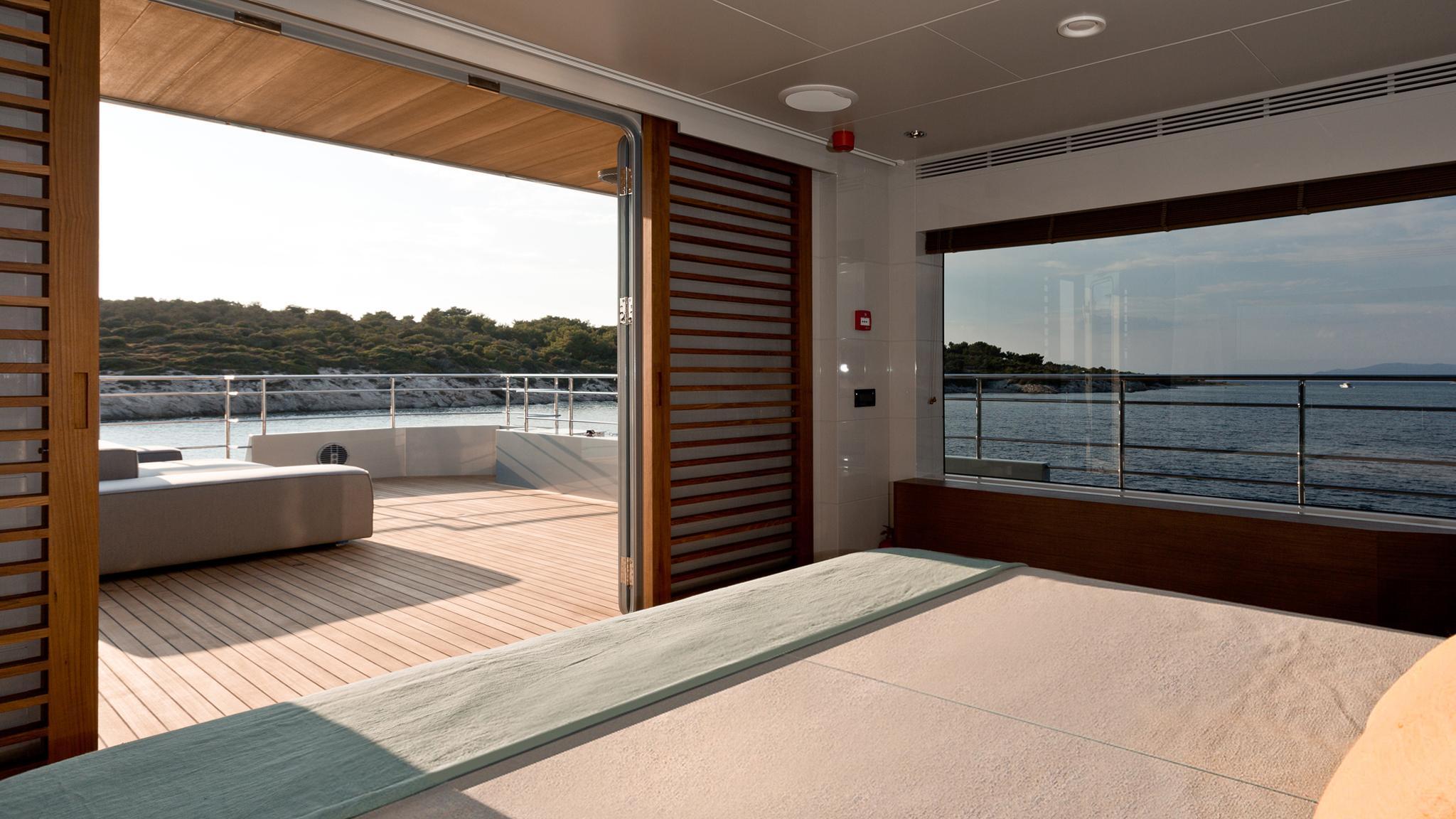 so-mar-motor-yacht-tansu-2014-38m-private-deck