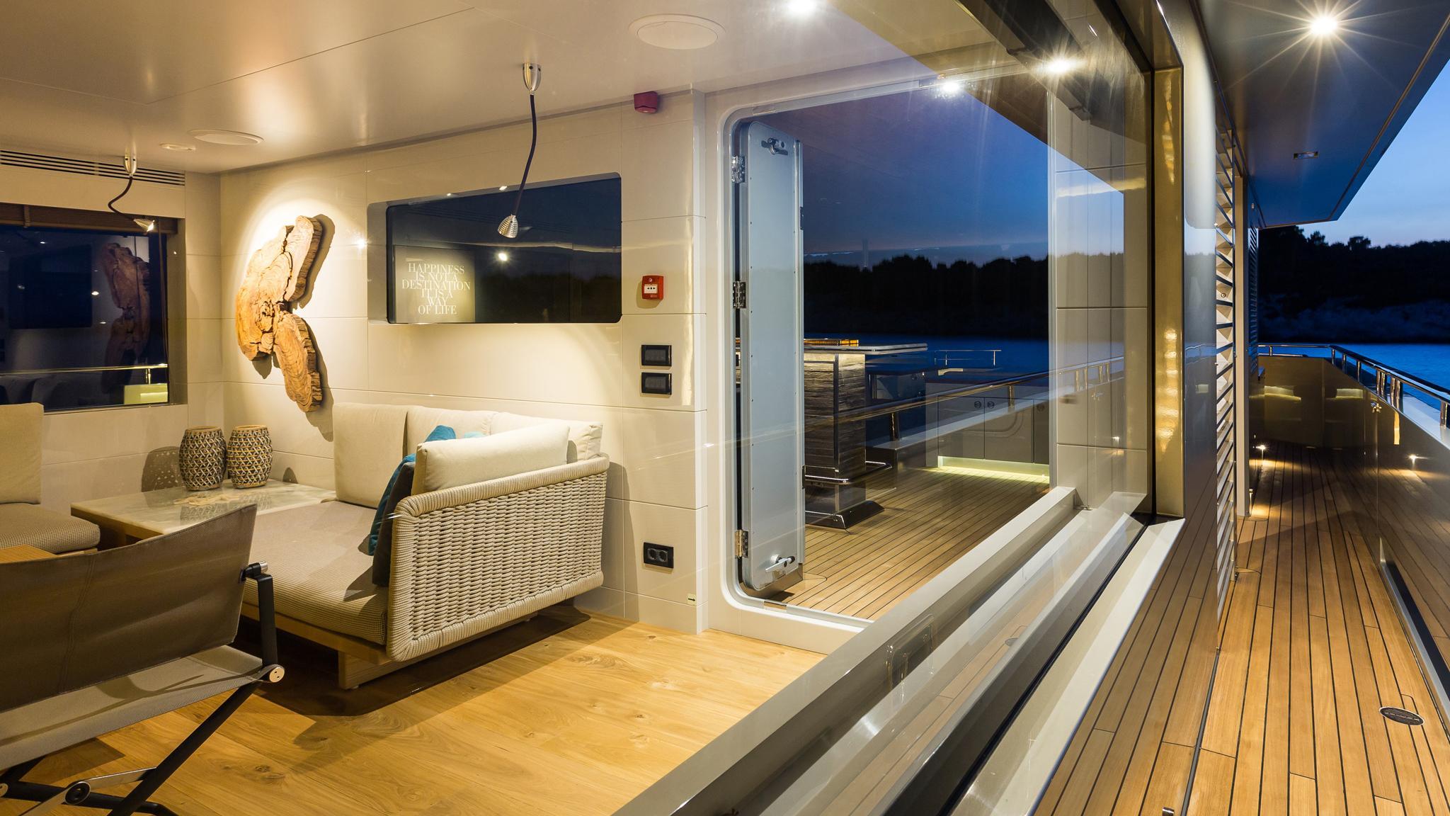 so-mar-motor-yacht-tansu-2014-38m-cabin