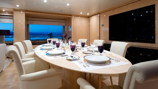stepP-one-motor-yacht-amels-2012-55m-dining