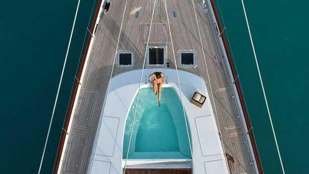 prana-sailing-yacht-alloy-2006-52m-bow-spa-pool