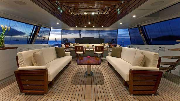 prana-sailing-yacht-alloy-2006-52m-covered-deck