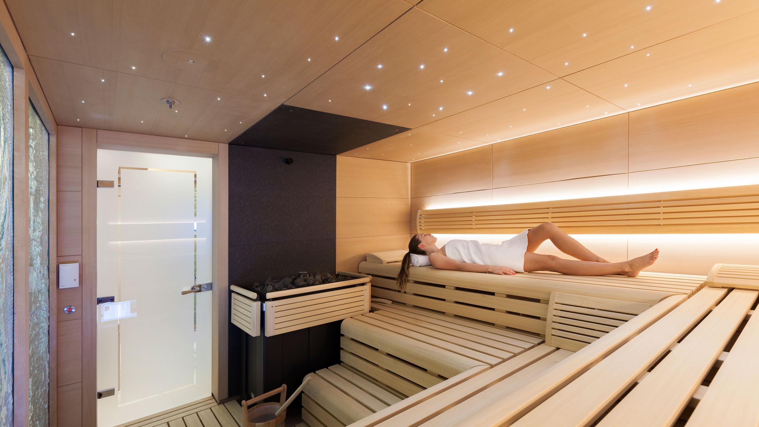 solandge-motor-yacht-lurssen-2013-85m-spa-sauna