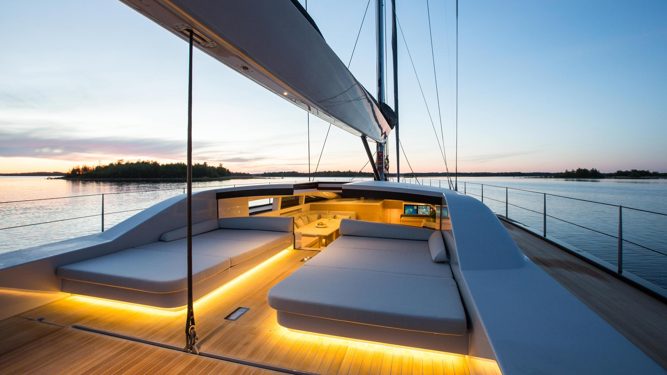 Winwin-sailing-yacht-baltic-2014-33m-deck-sunset