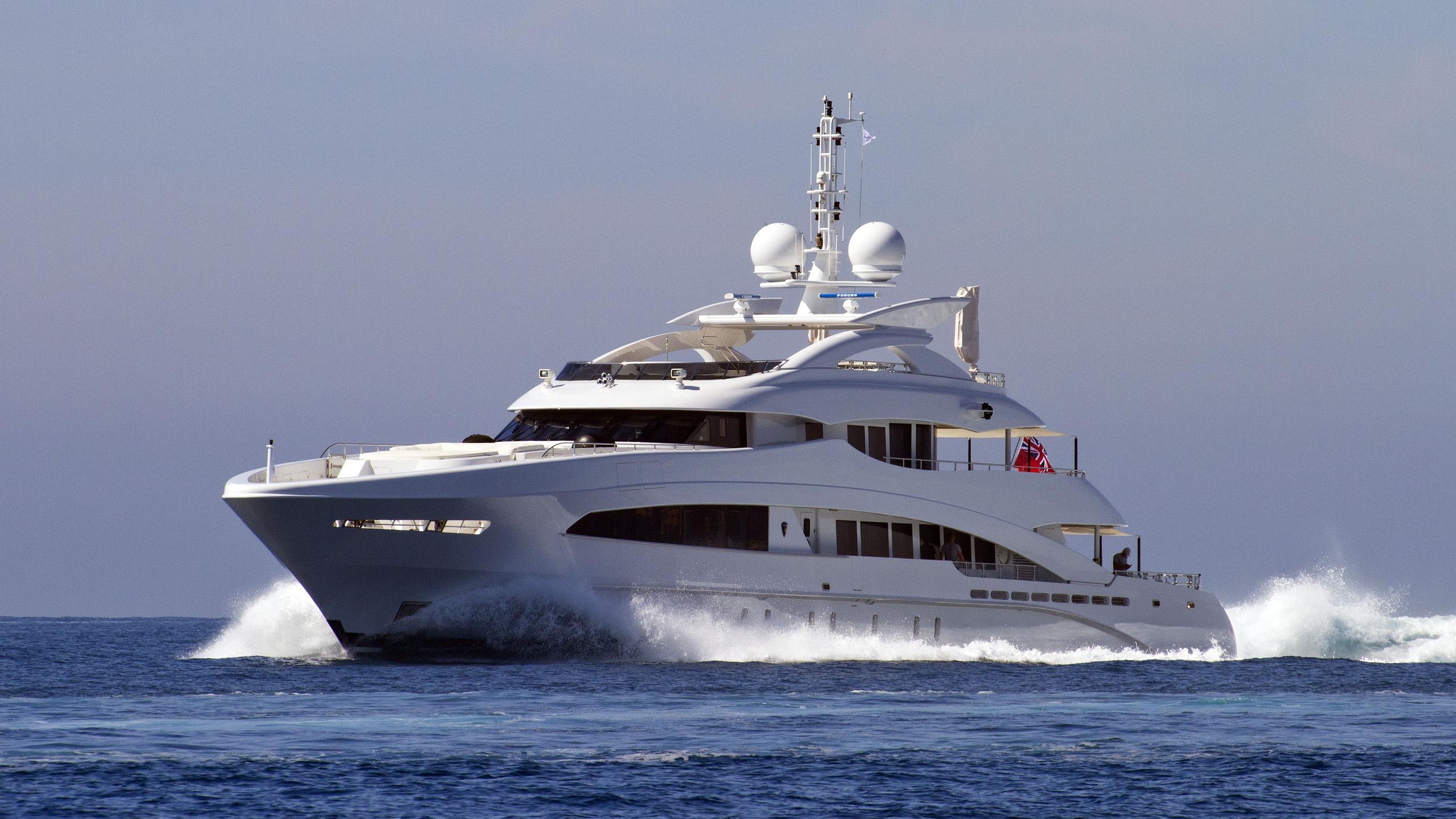 hayken-motor-yacht-heesen-2014-50m-cruising-half-profile