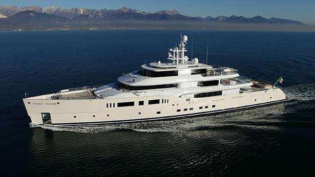 nautilus-grace-e-motor-yacht-perini-navi-picchiotti-2014-73m-cruising-half-profile