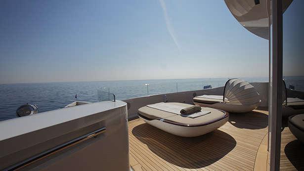 nautilus-grace-e-motor-yacht-perini-navi-picchiotti-2014-73m-wellness-deck