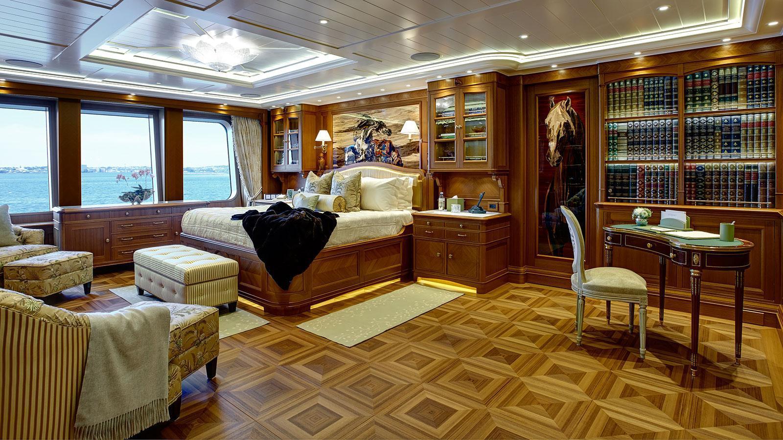 sea-owl-motor-yacht-feadship-2013-62m-stateroom