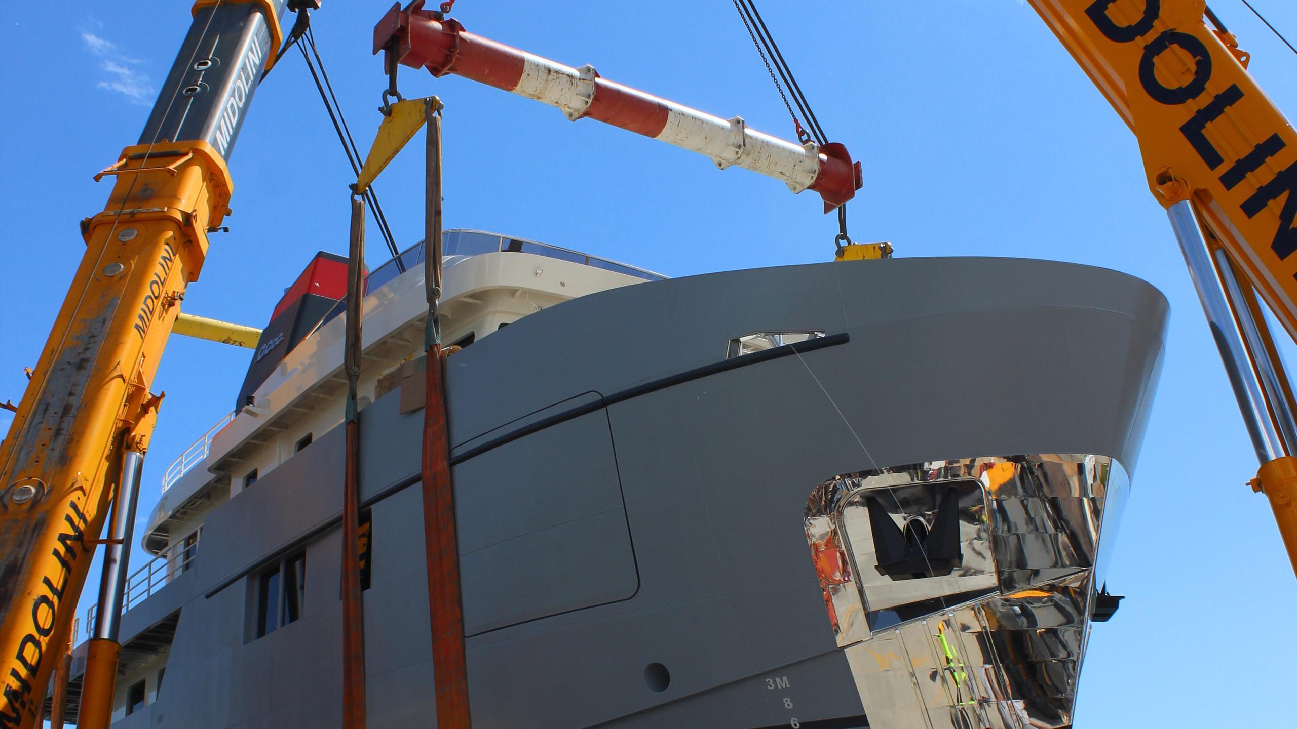CAROLIN-IV-motor-yacht-mmgi-omega-forte-100-101m-2016-shipyard-bow-cranes