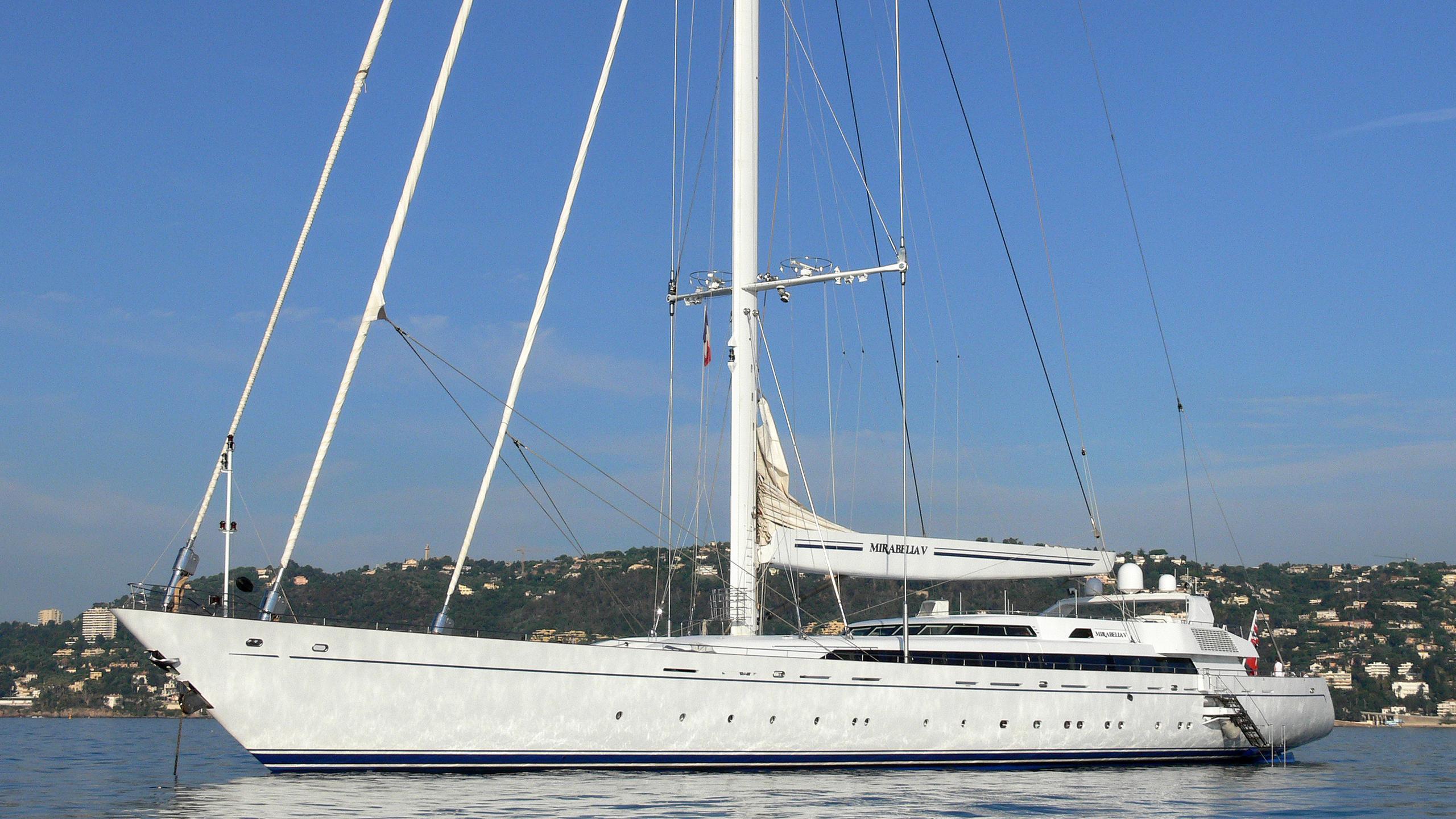 m5-sailing-yacht-vosper-thornycroft-2004-79m-profile-before-refit