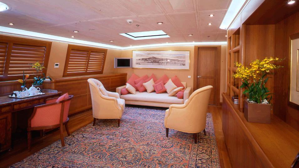 m5-sailing-yacht-vosper-thornycroft-2004-79m-lounge