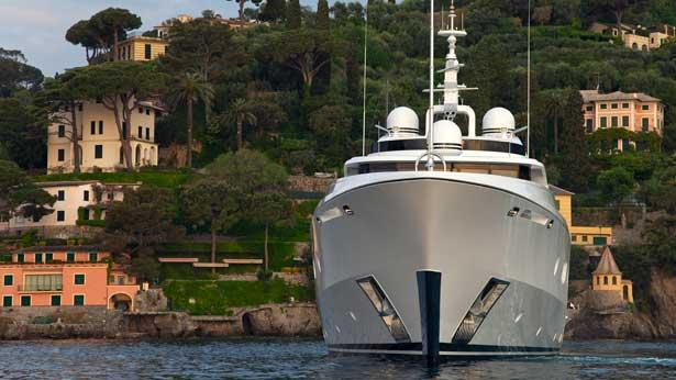 turquoise-motor-yacht-2011-55m-bow