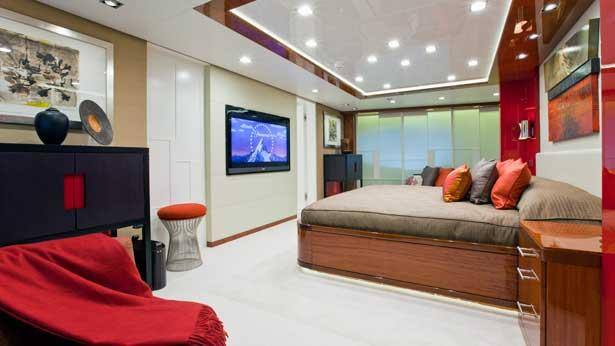 turquoise-motor-yacht-2011-55m-owners-suite