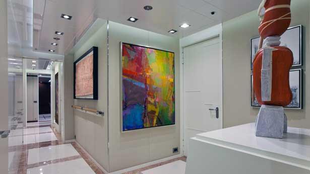 turquoise-motor-yacht-2011-55m-hallway