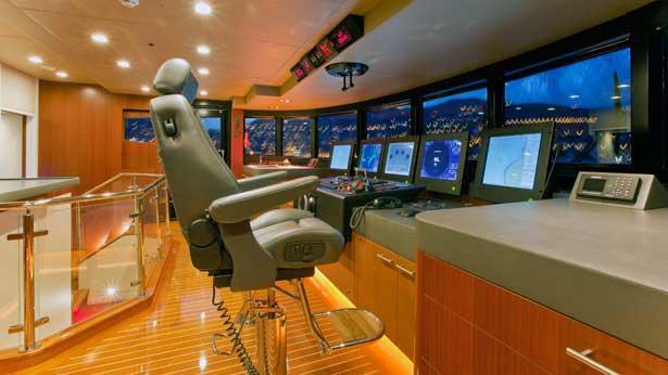 turquoise-motor-yacht-2011-55m-bridge