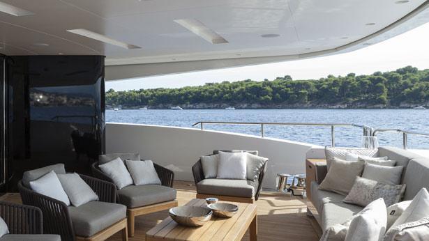 mr-t-motor-yacht-Baglietto-2014-46m-aft-deck