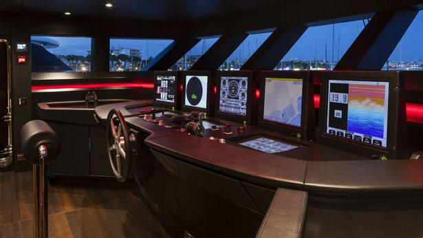mr-t-motor-yacht-Baglietto-2014-46m-bridge