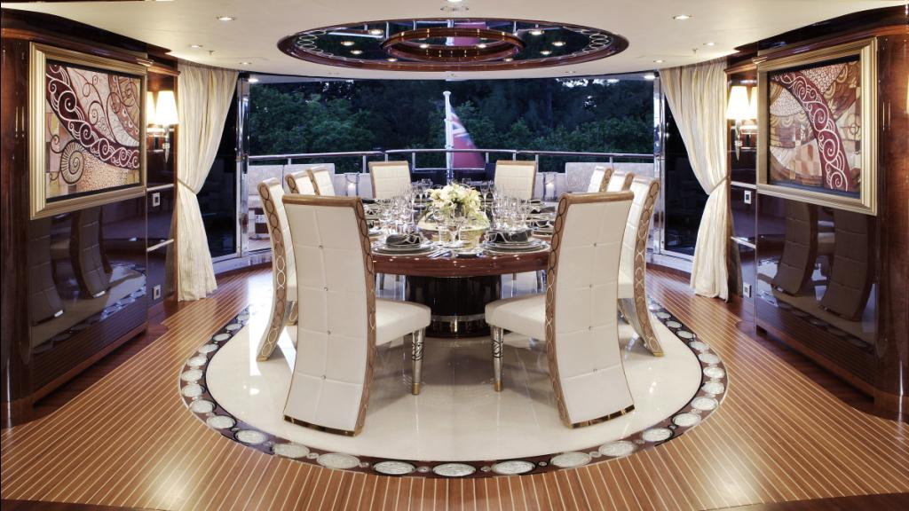 diamonds-are-forever-motor-yacht-benetti-2011-61m-dining