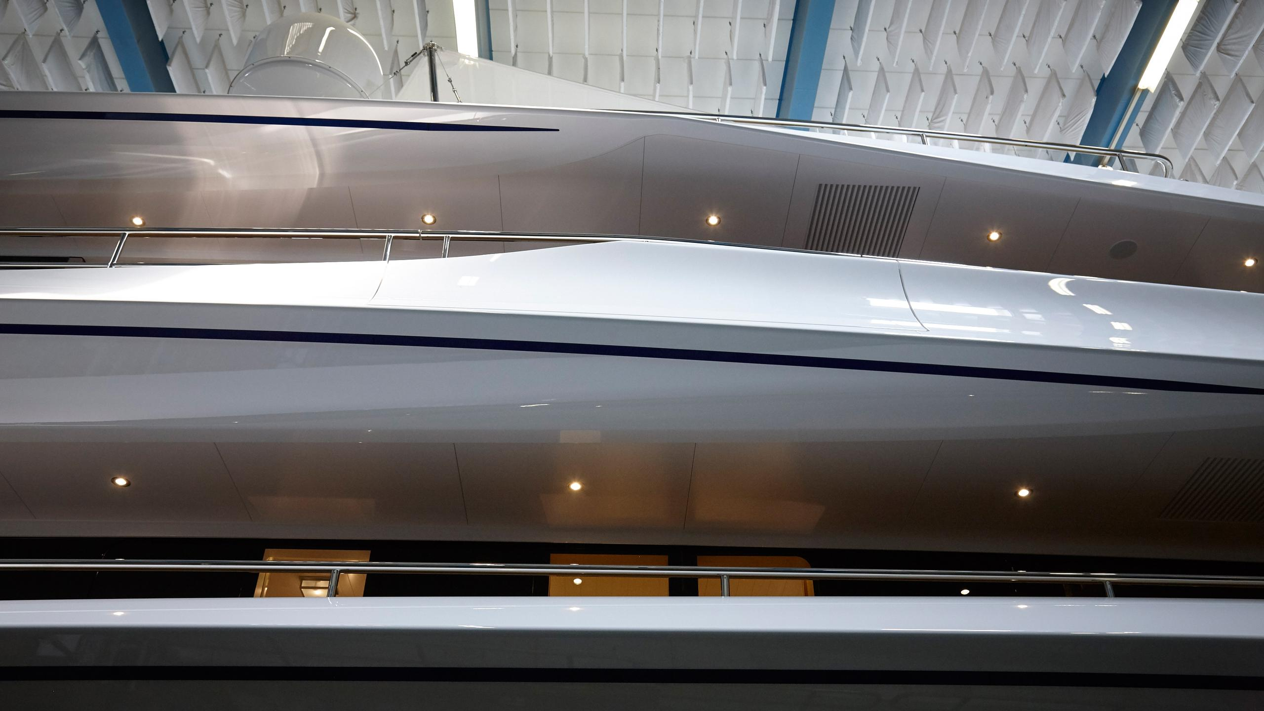 joy-motor-yacht-feadship-2016-70m-shipyard-shed-detail-profile-lines