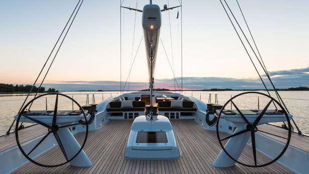 inukshuk-sailing-yacht-baltic-2013-33m-deck