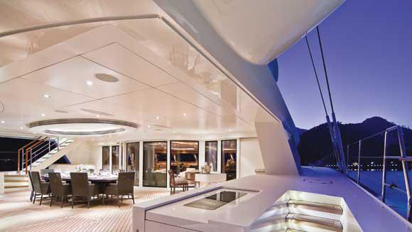 hemisphere-sailing-yacht-pendennis-2011-44m-aft-deck