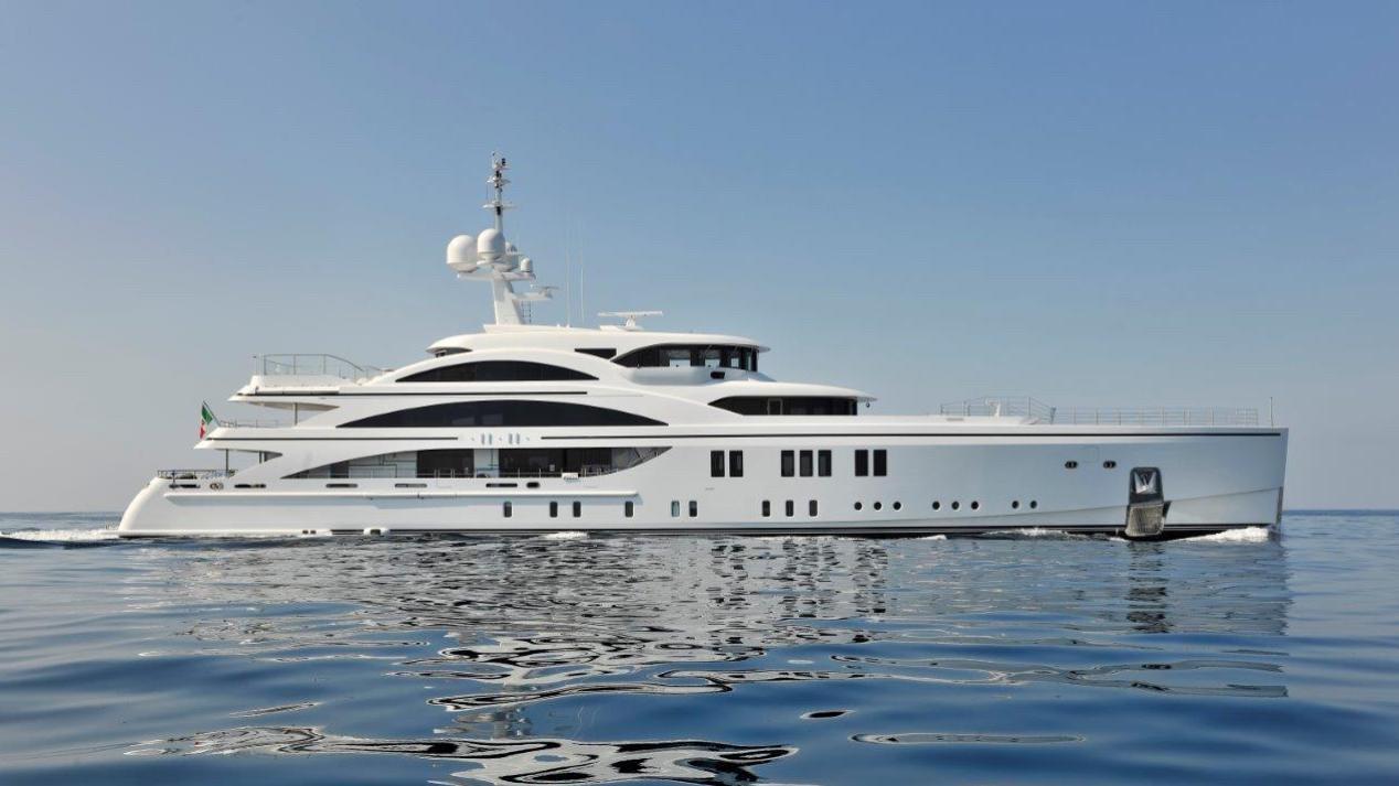 1111-motor-yacht-benetti-2015-63m-cruising-profile