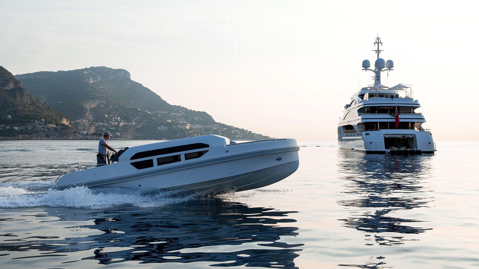 1111-motor-yacht-benetti-2015-63m-stern-tender