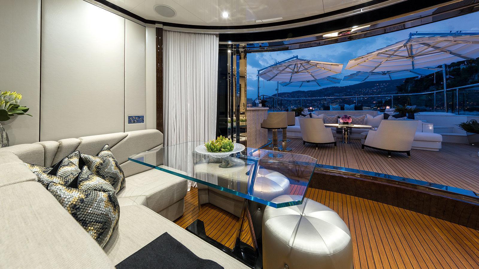1111-motor-yacht-benetti-2015-63m-deck-lounge
