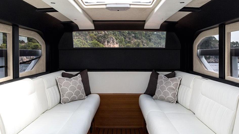 1111-motor-yacht-benetti-2015-63m-tender-interior