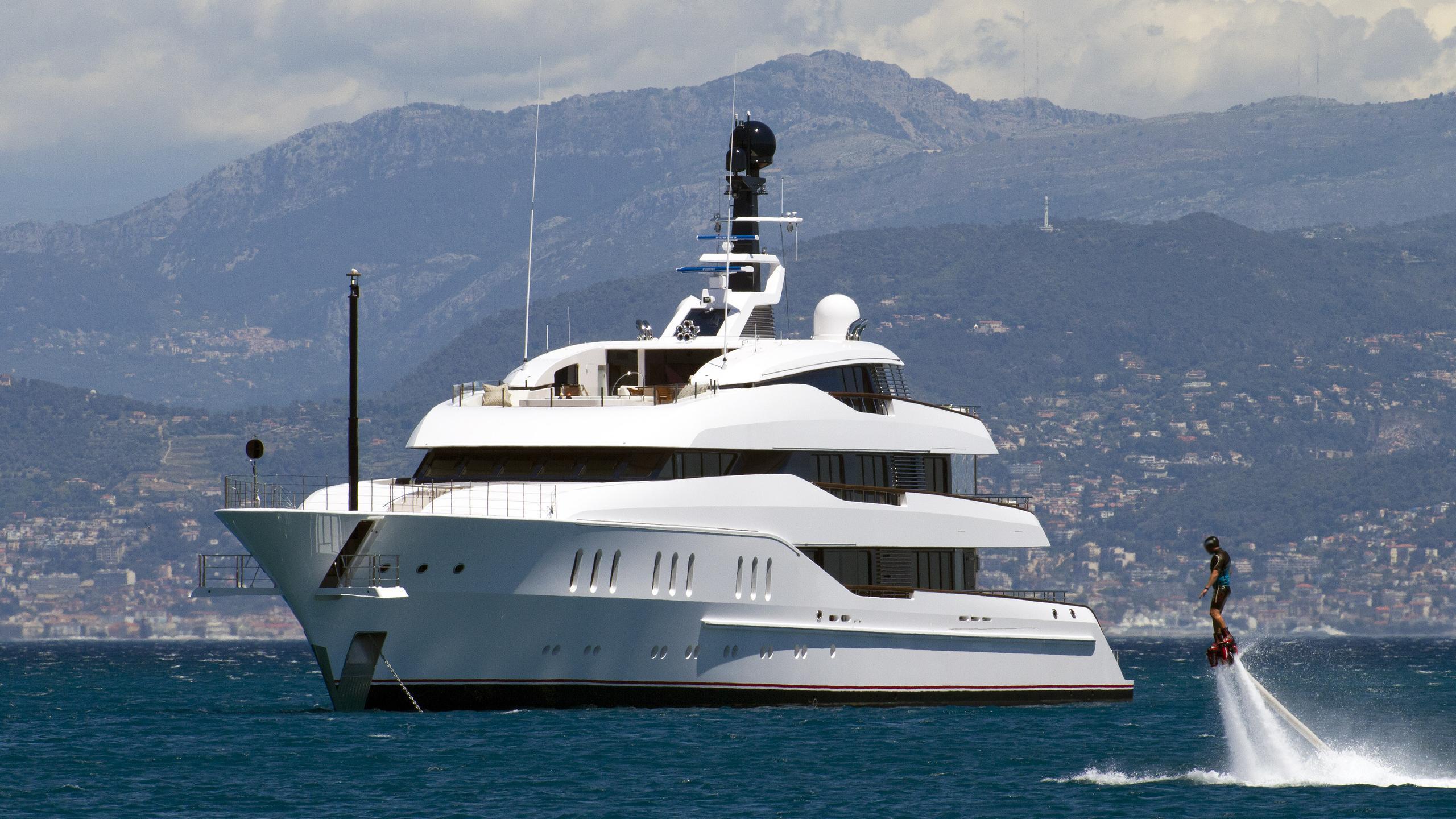 vanish-motor-yacht-feadship-2016-66m-half-profile