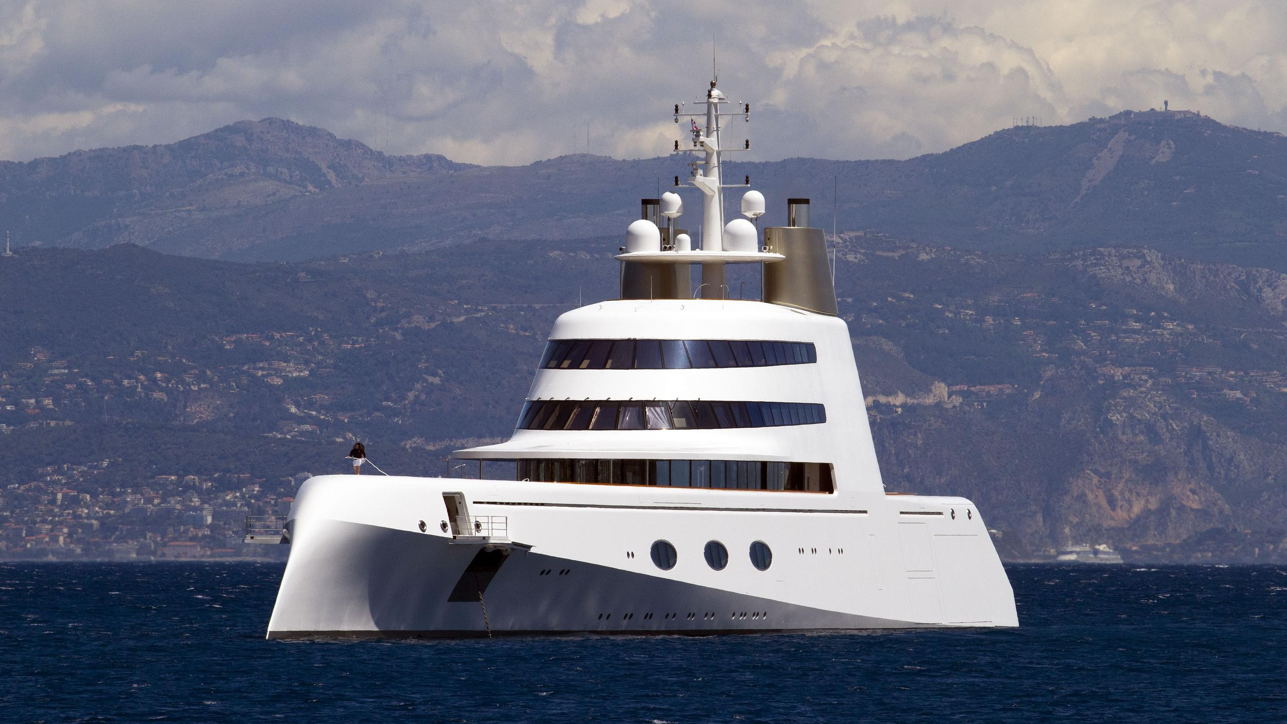 superyacht-a-motor-yacht-blohm-voss-2008-119m-half-profile
