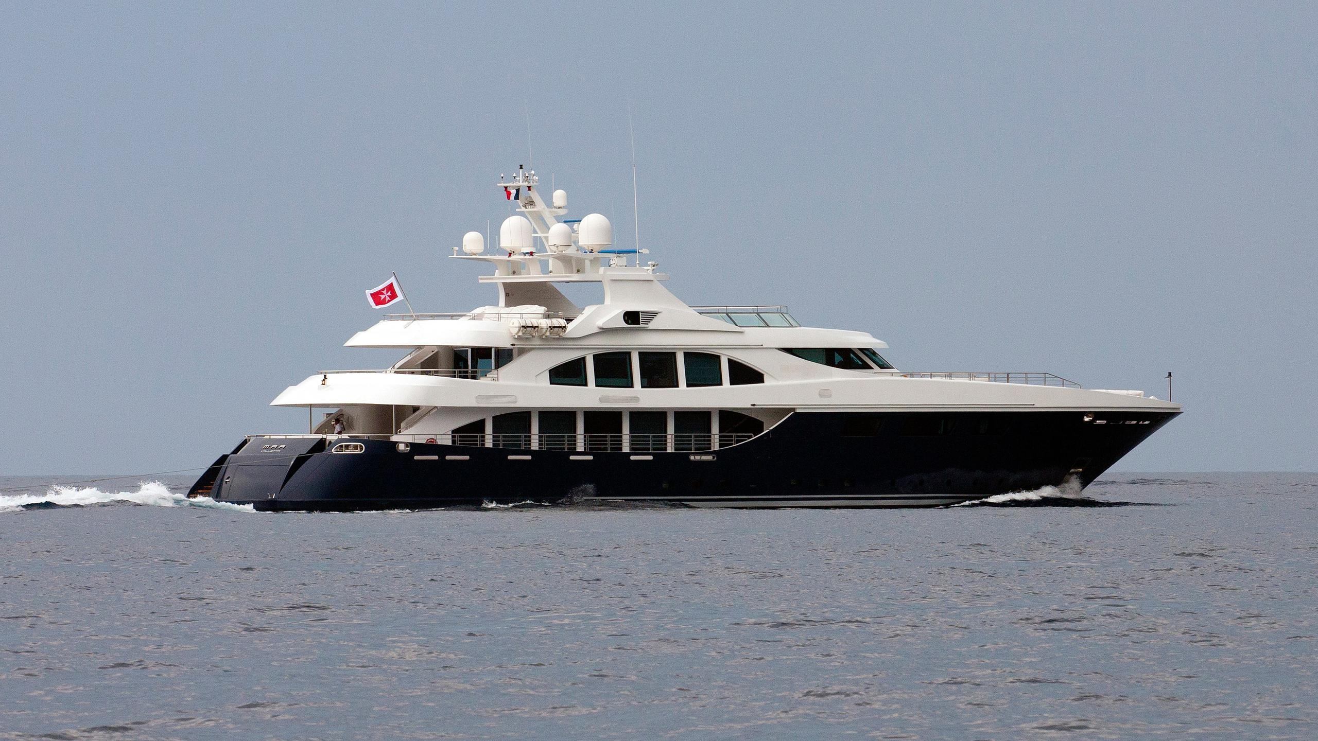resilience-motor-yacht-ortona-navi-2008-50m-cruising