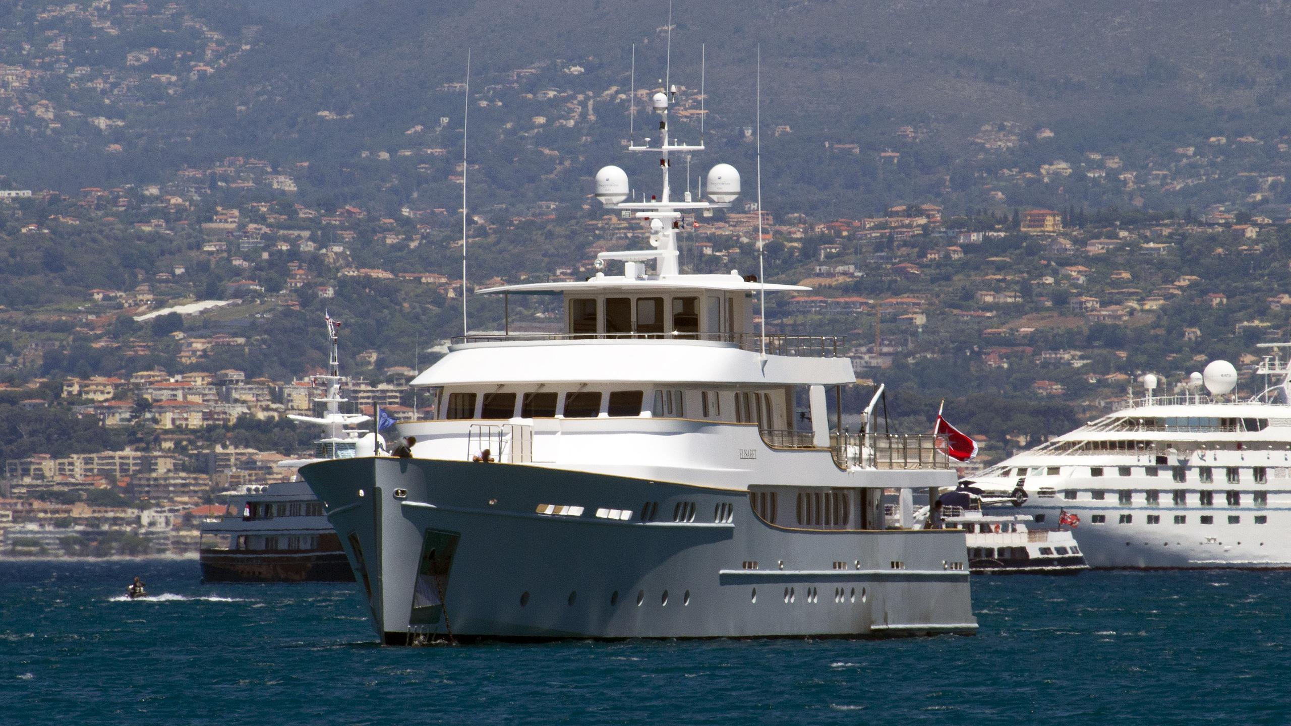 elisabet-motor-yacht-ocea-2011-47m-bow