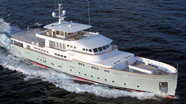 elisabet-motor-yacht-ocea-2011-47m-aerial-cruising