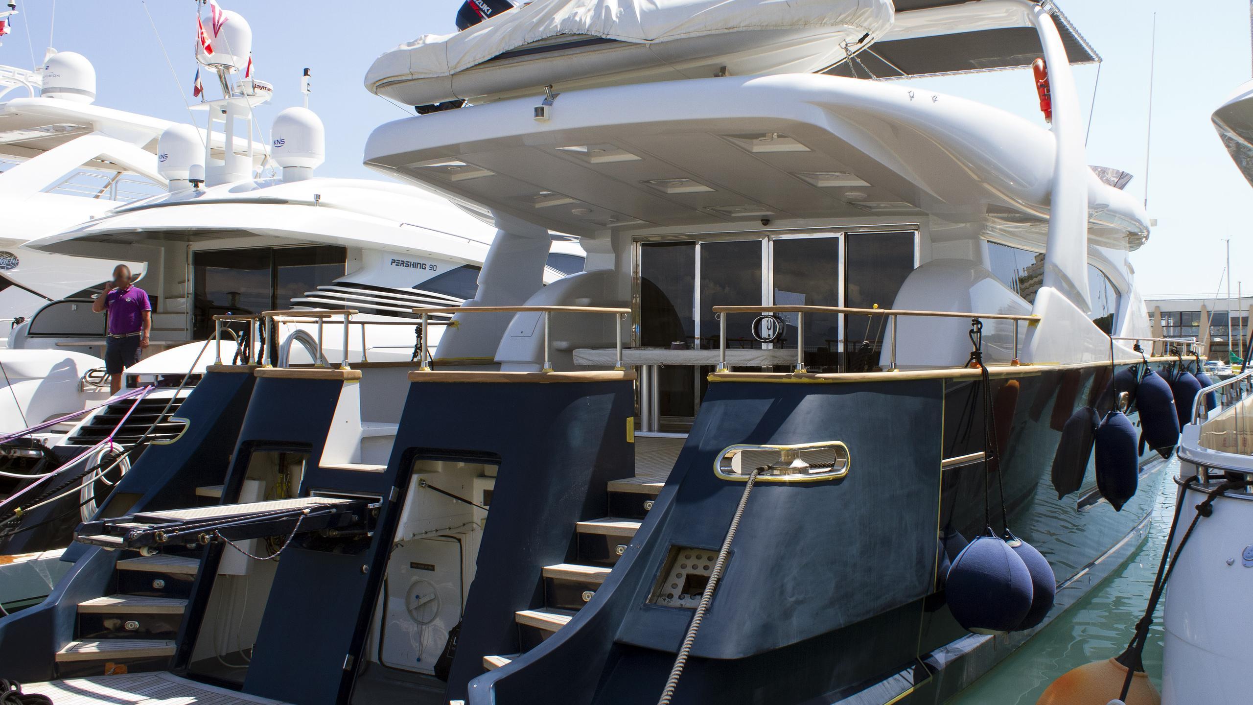 mabruk-ii-motor-yacht-notika-teknik-emerald-90-1997-27m-moored-stern