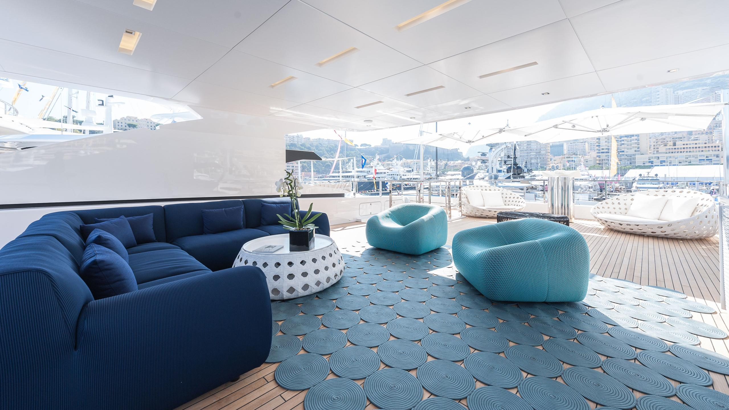 entourage-motor-yacht-admiral-the-italian-sea-group-2014-47m-covered-deck